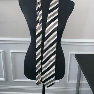 Donald trump suit tie